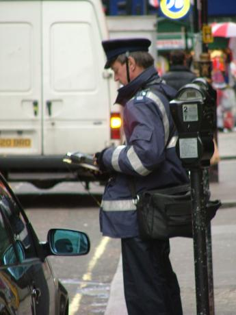 England-London-policeofficer.JPG