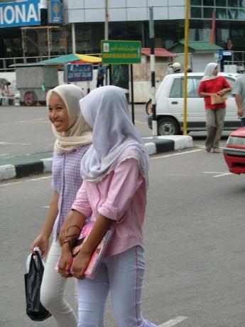 Malaysia-girls1.jpg