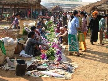 Myanmar-InleLake-DSCF4058.JPG